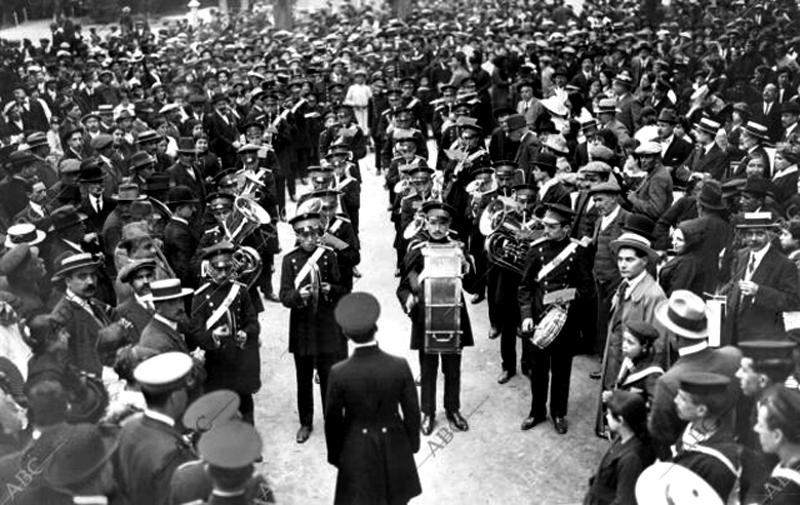 Banda de Carabanchel. Certamen de El Retiro (1915). Foto: ABC
