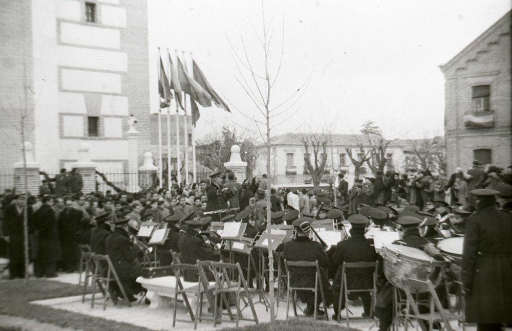 La Banda Municipal de Madrid durante la reinauguración de la parroquia de San Sebastián (20 de enero de 1948)